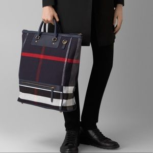 Burberry large navy check travel bag tote canvas